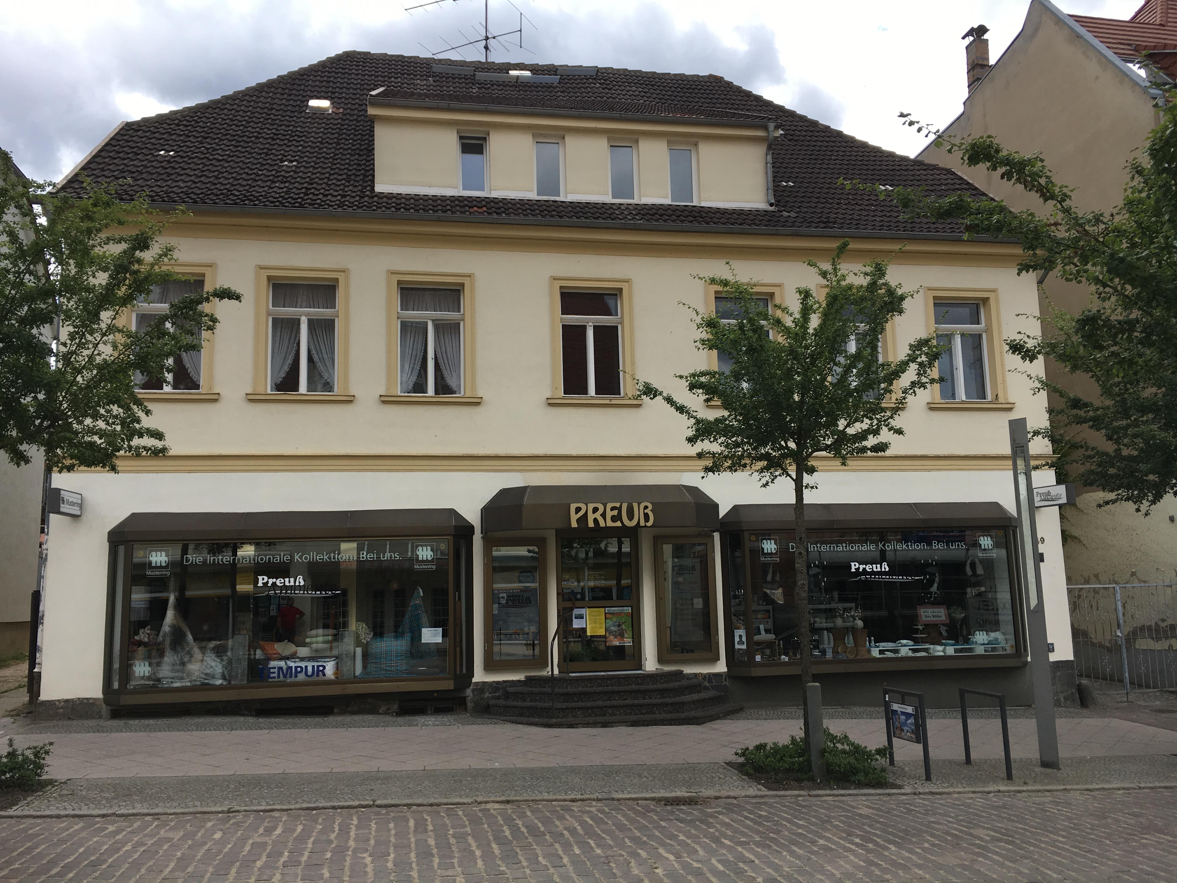 Strelitzer Straße 49