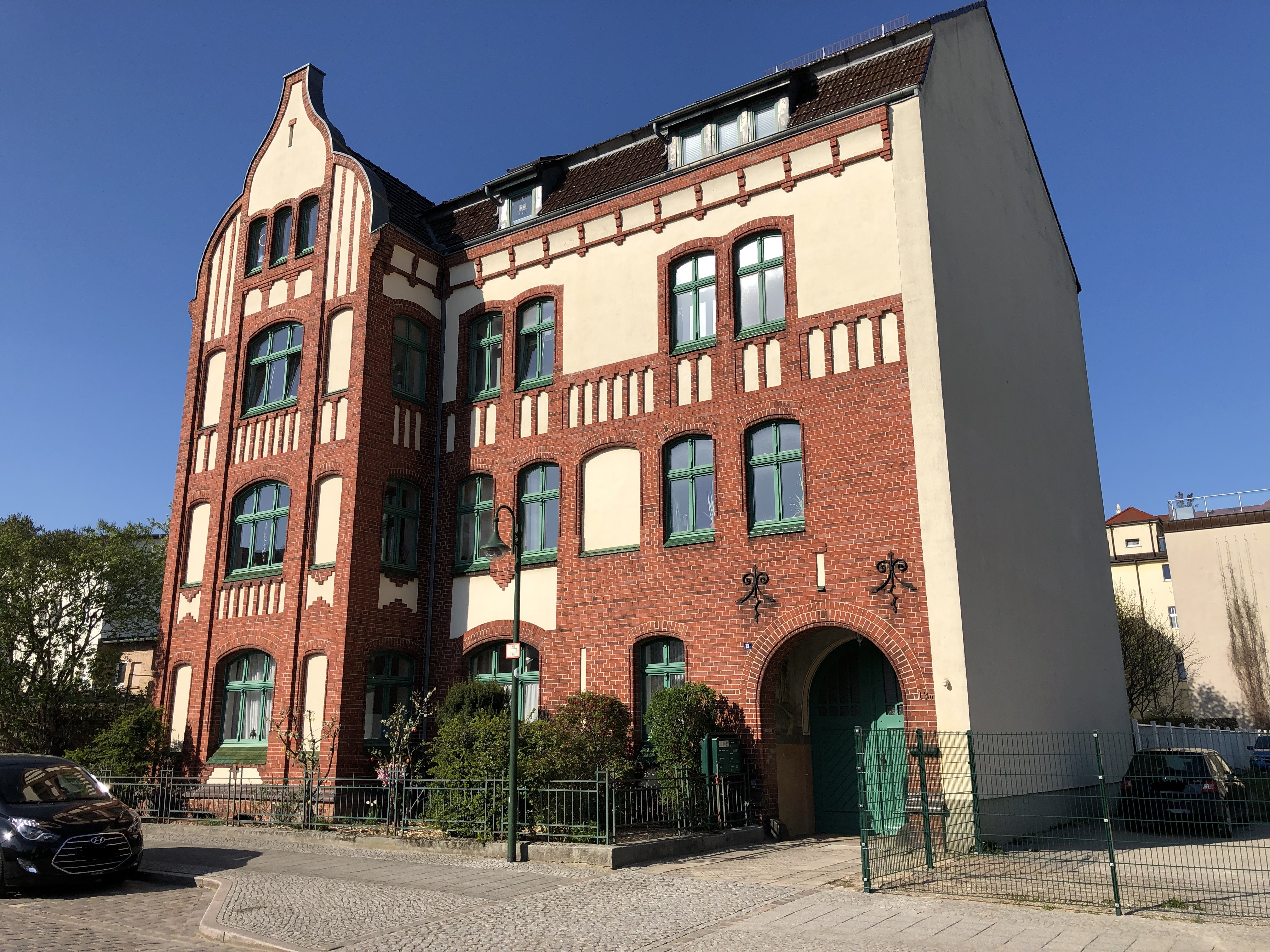 Elisabethstraße 13a
