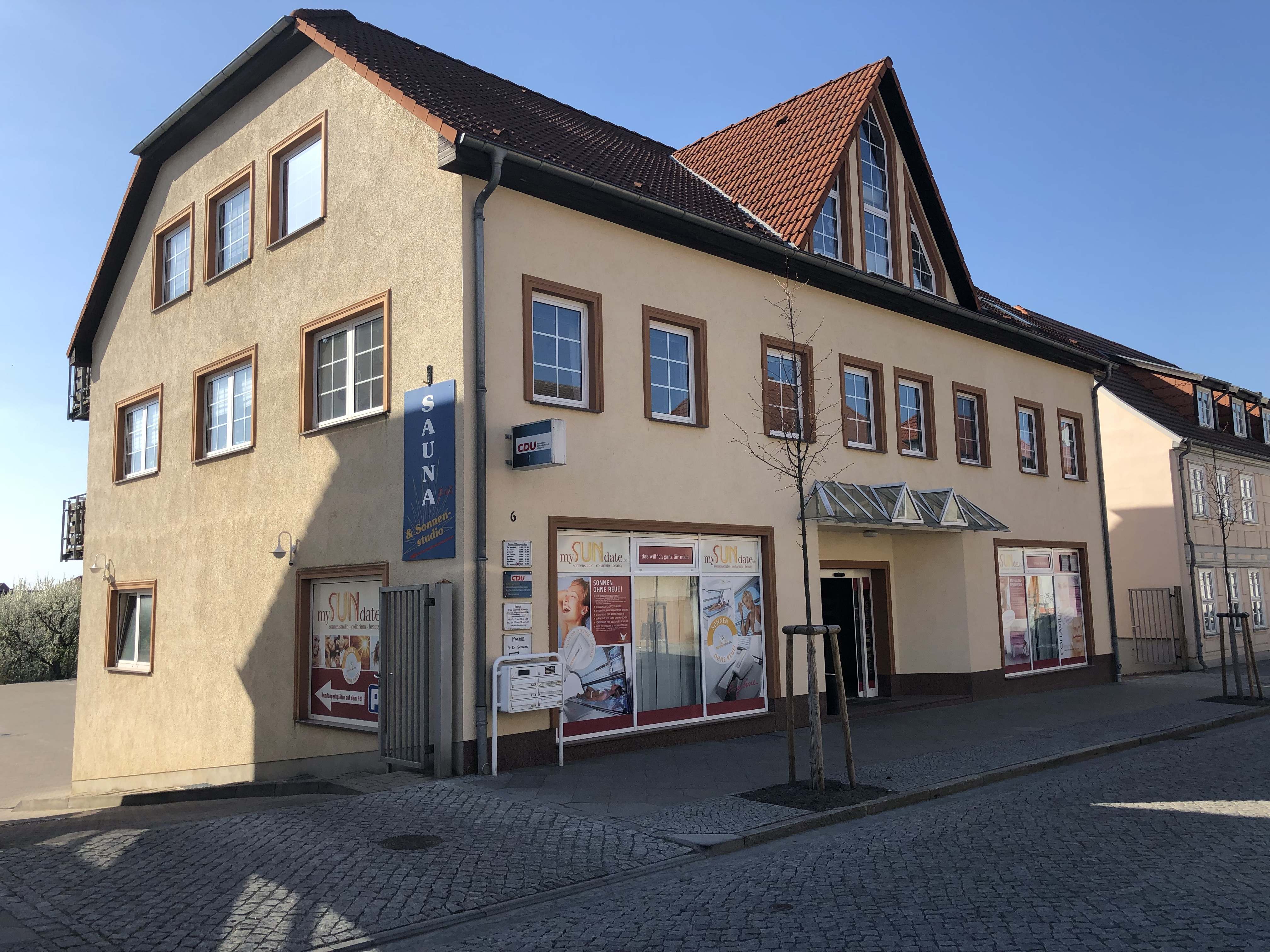 Sassenstraße 6