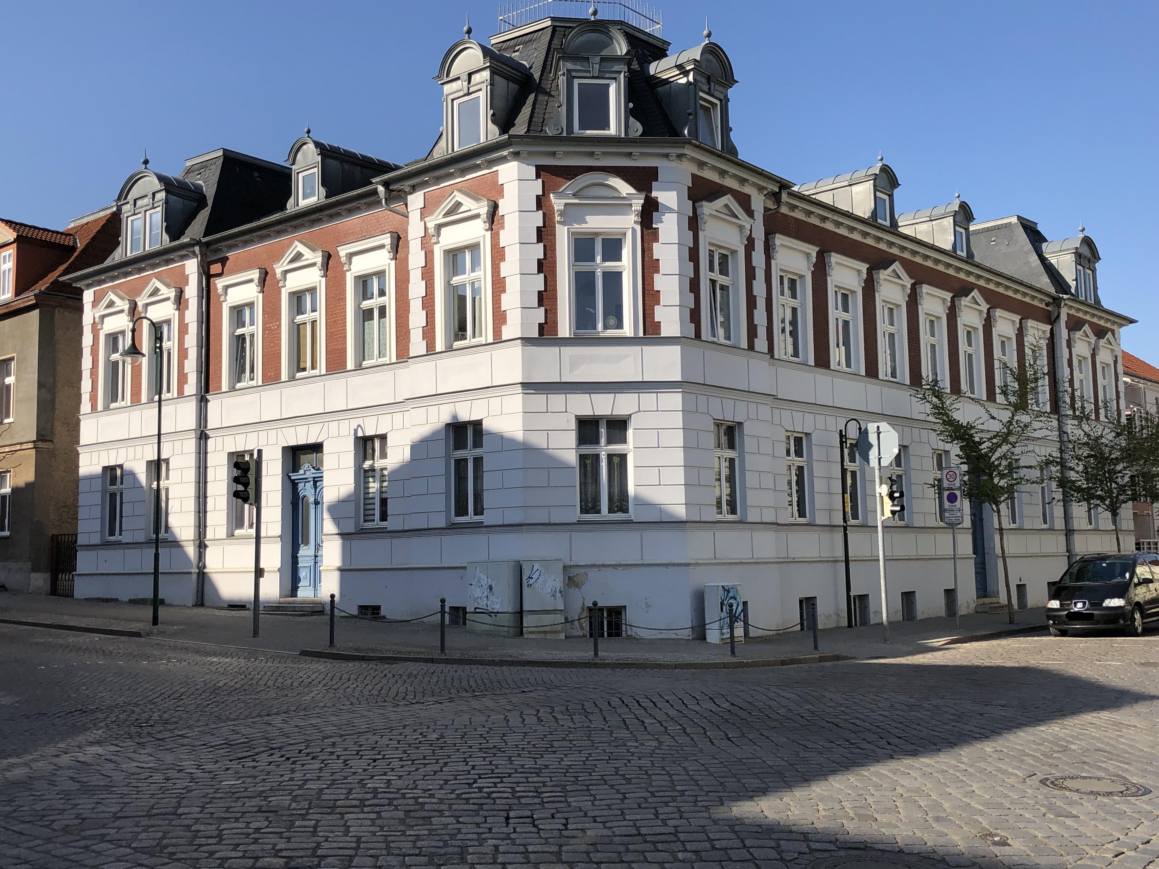 Augustastraße 18