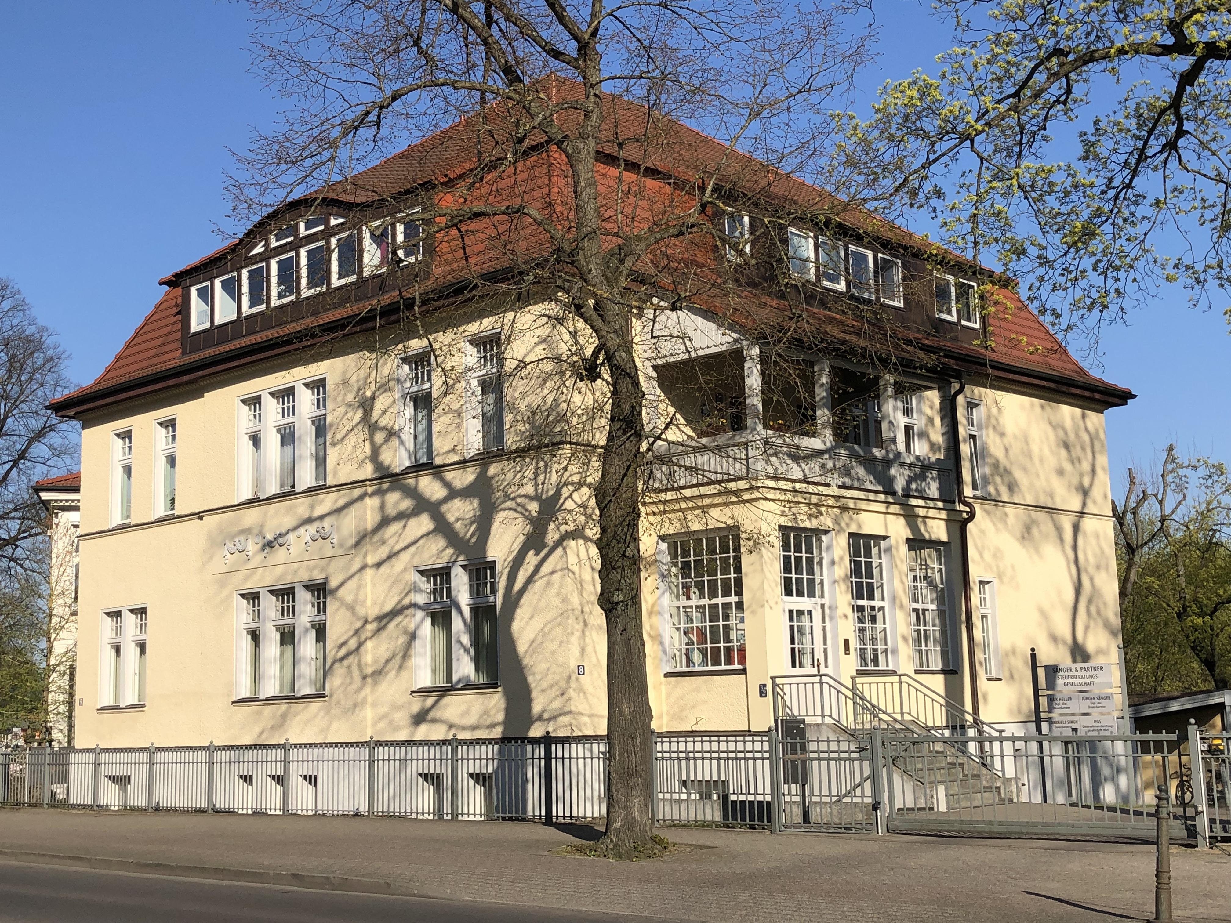 Marienstraße 8