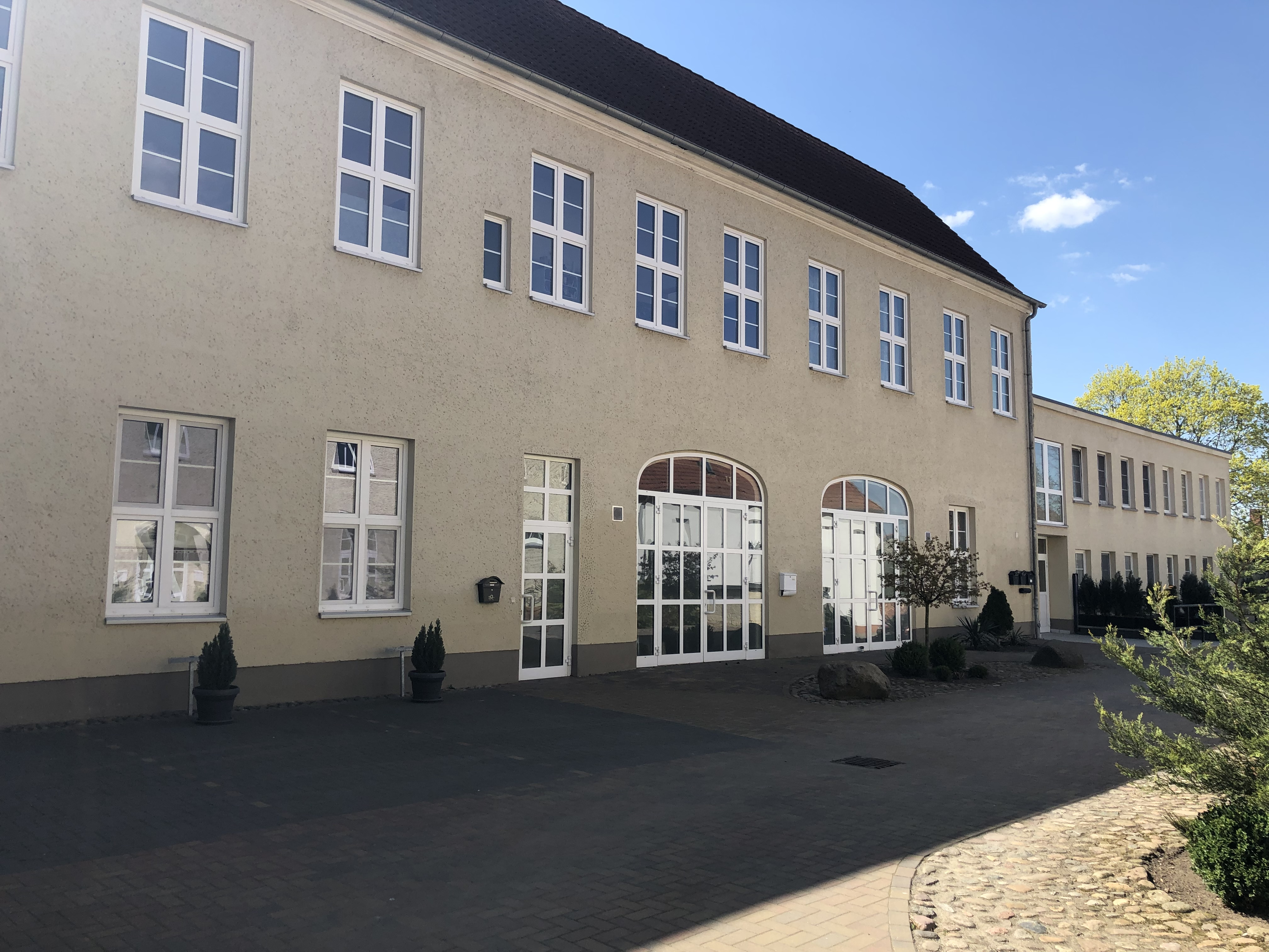 Schlossstraße 11