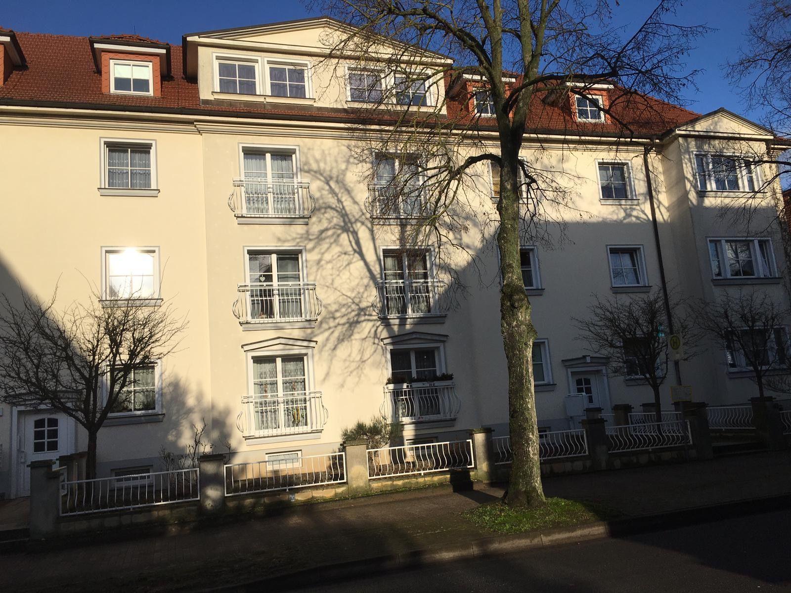 Dr.Schwenter-Straße 1-1a